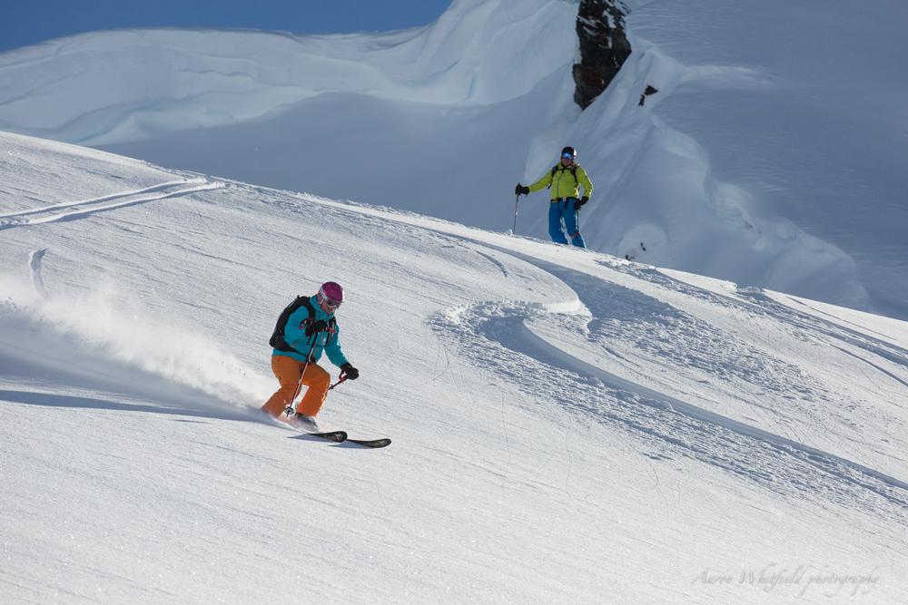 pure-brandz-powderhounds-skiing-northern-escape-heli-skiing-12.jpg
