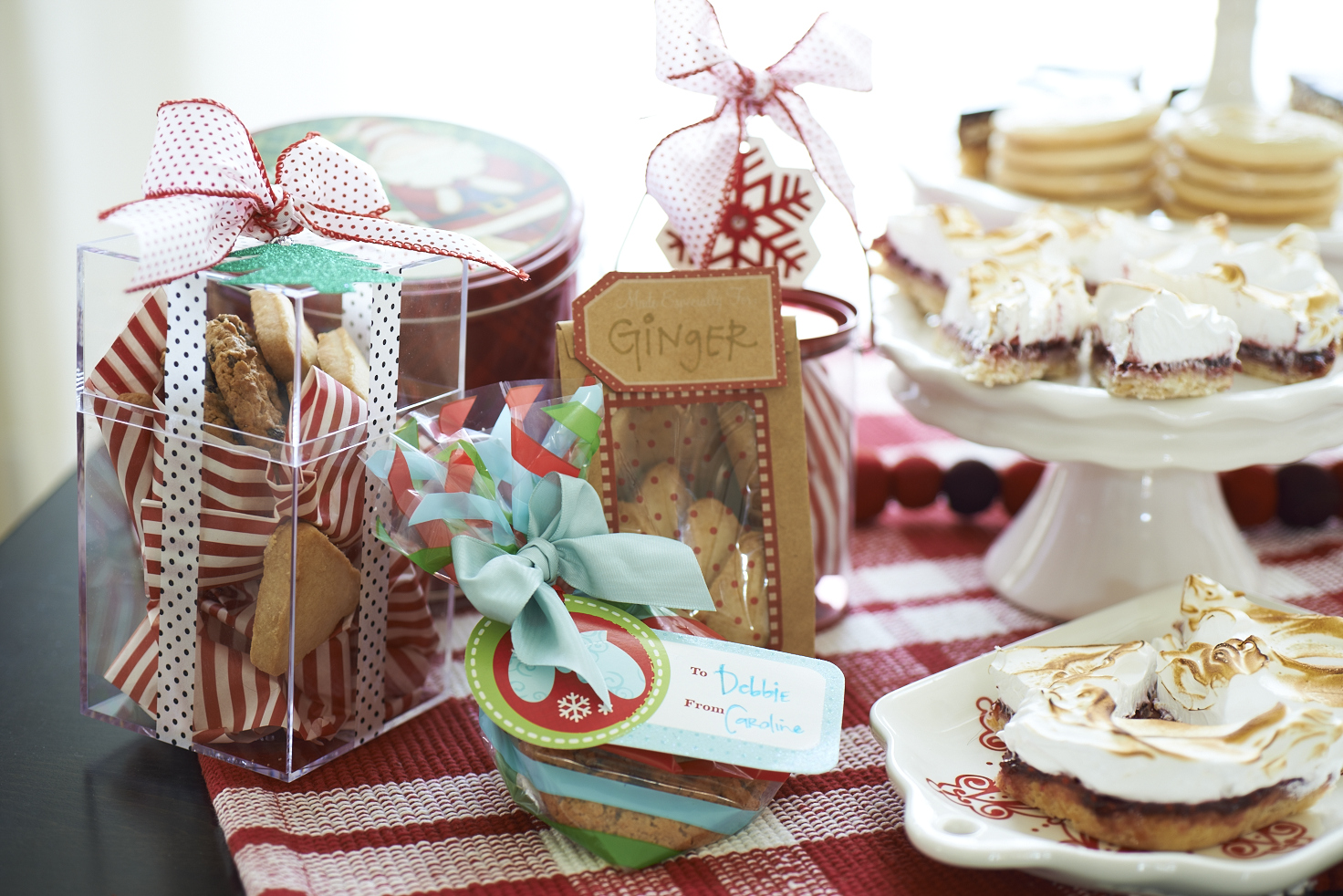 Have plenty of supplies available for guests to take their cookies home after the party.
