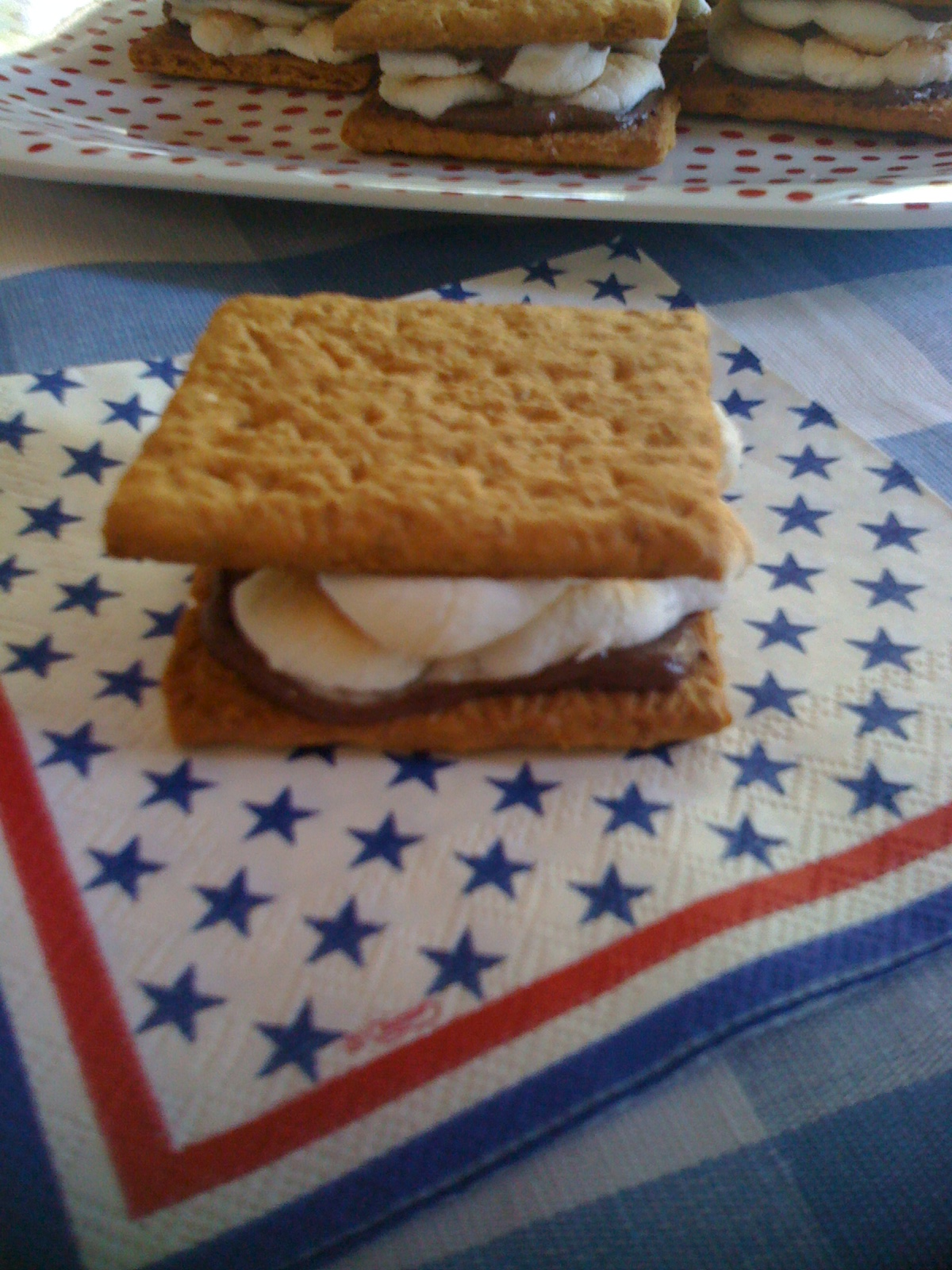 how to make easy indoor s'mores
