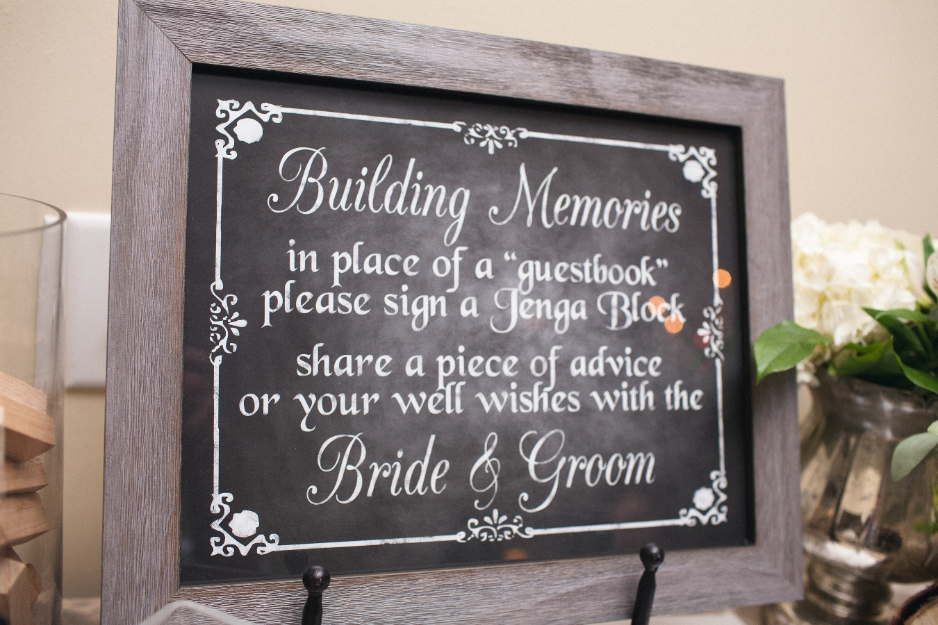 couple uses Jenga blocks for unique guest book
