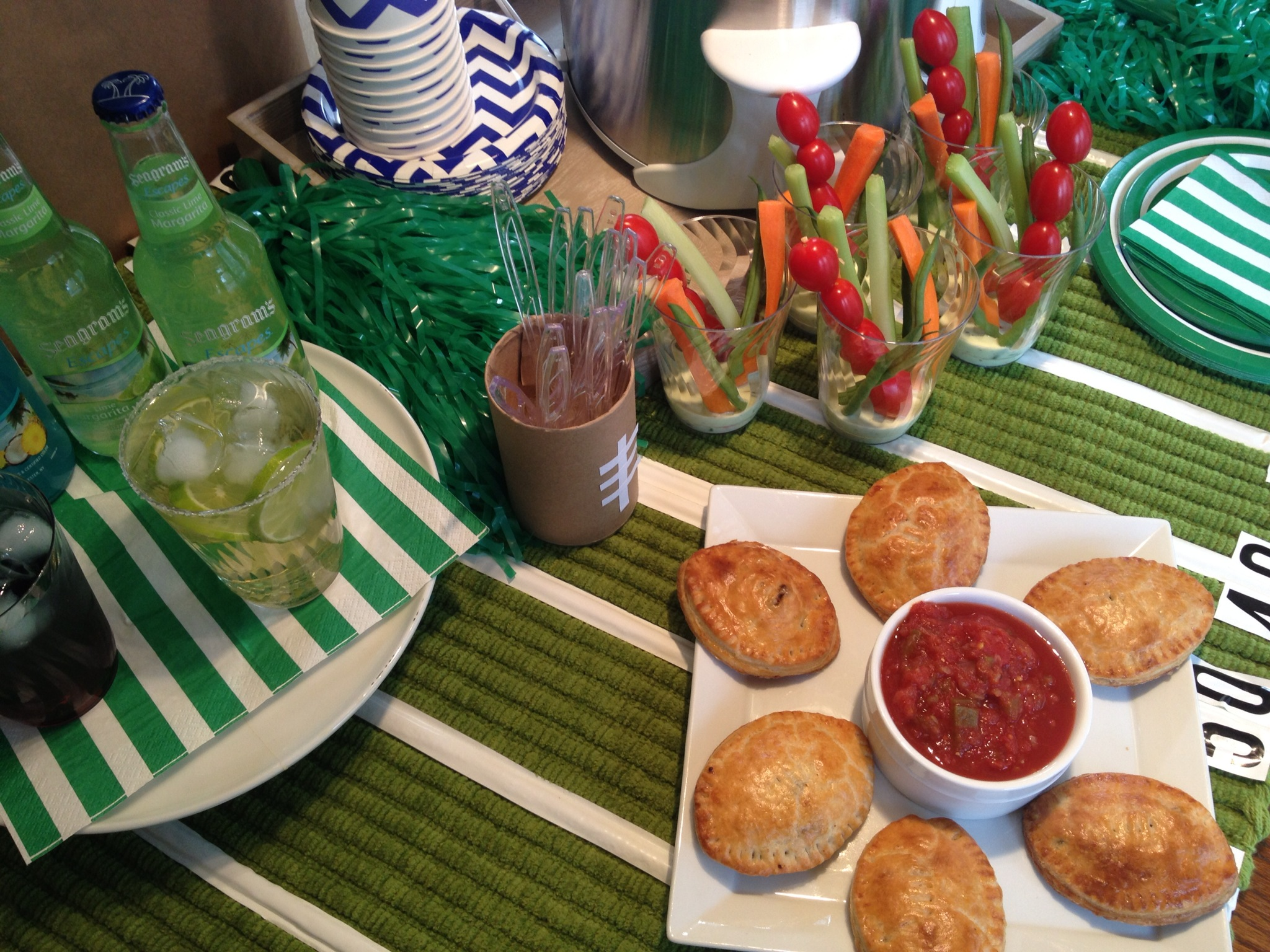 easy to make football theme party decorations