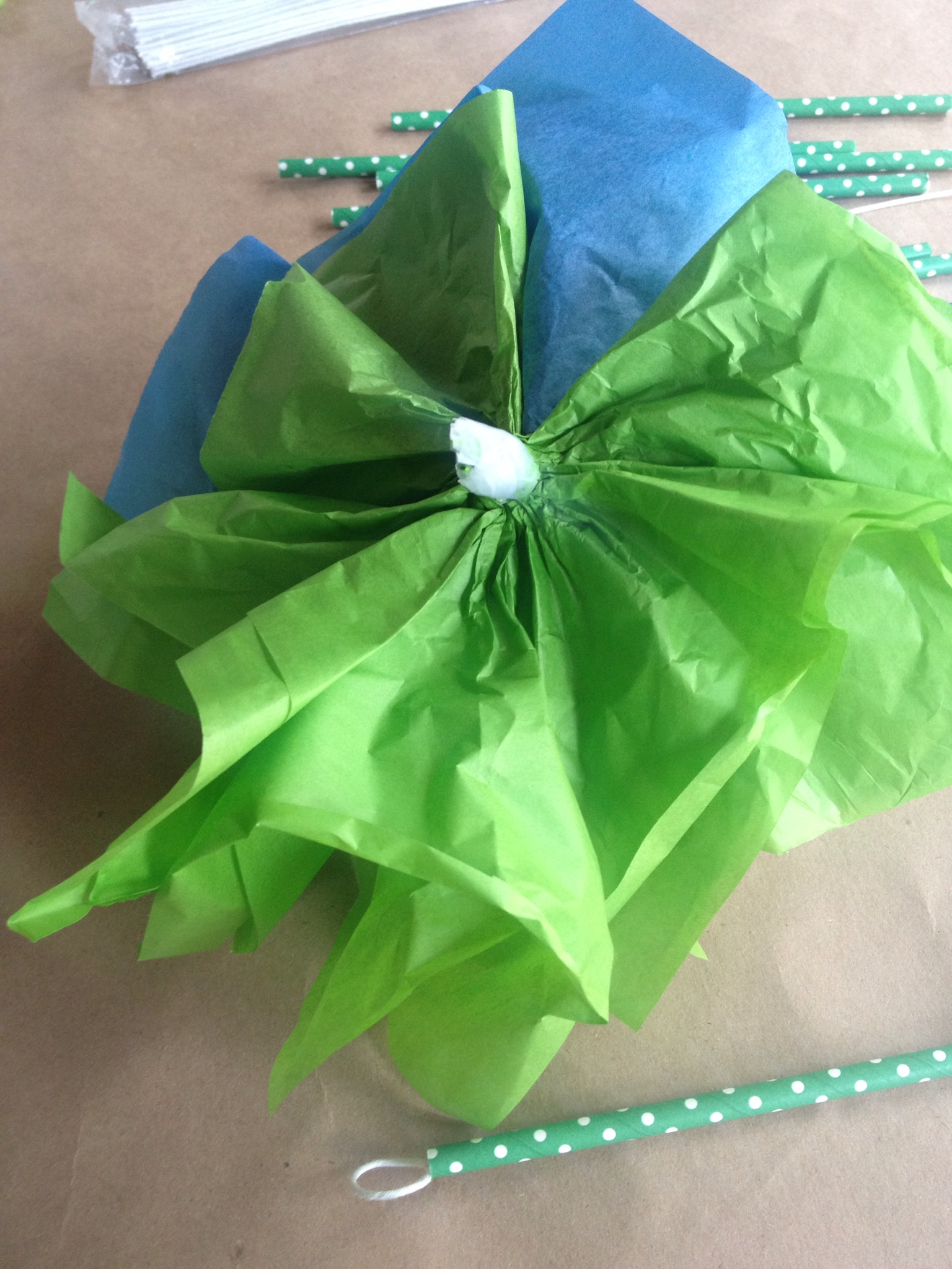 easy to make tissue or paper napkin garlands