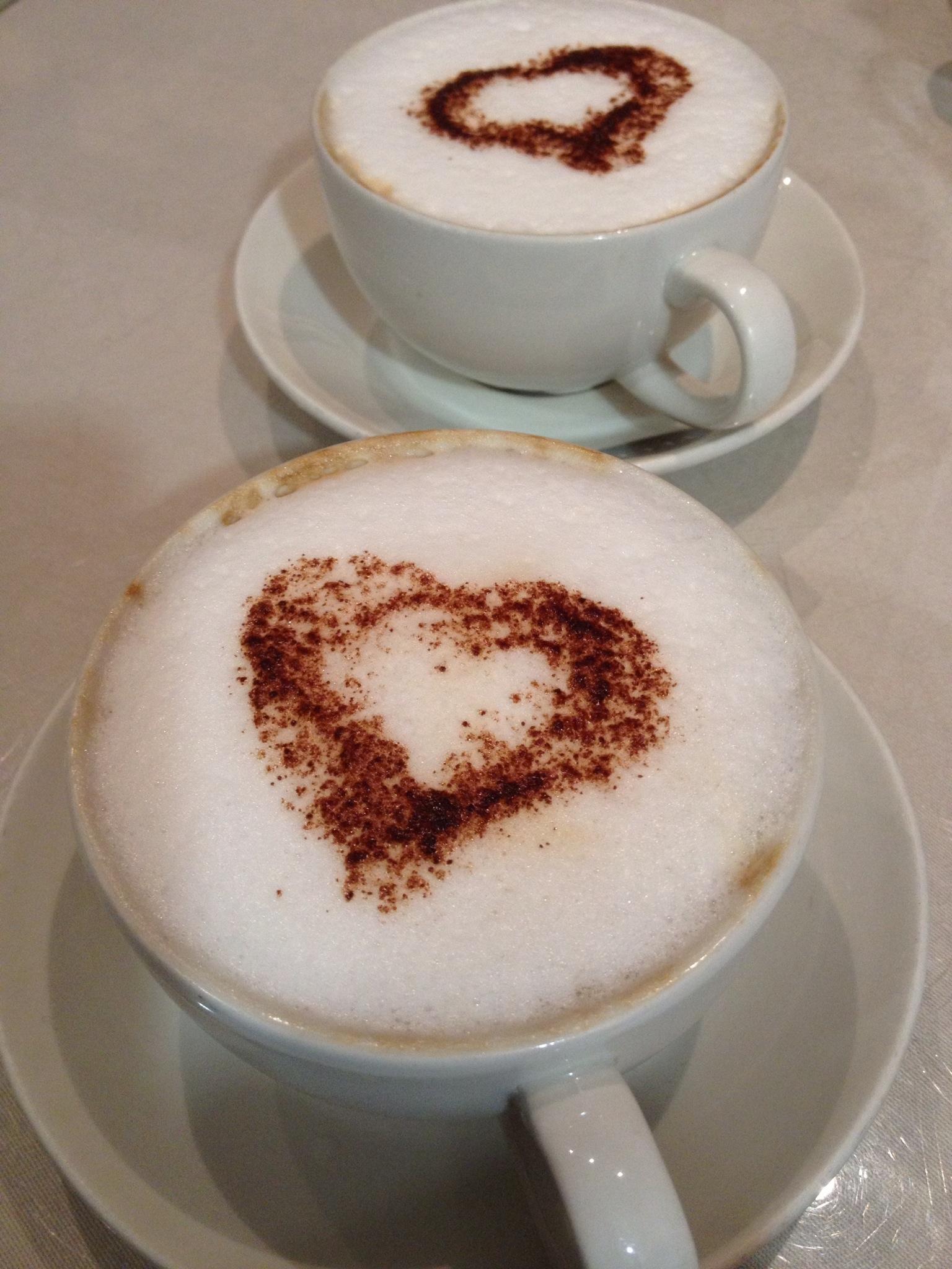 make a milk heart for coffee or espresso
