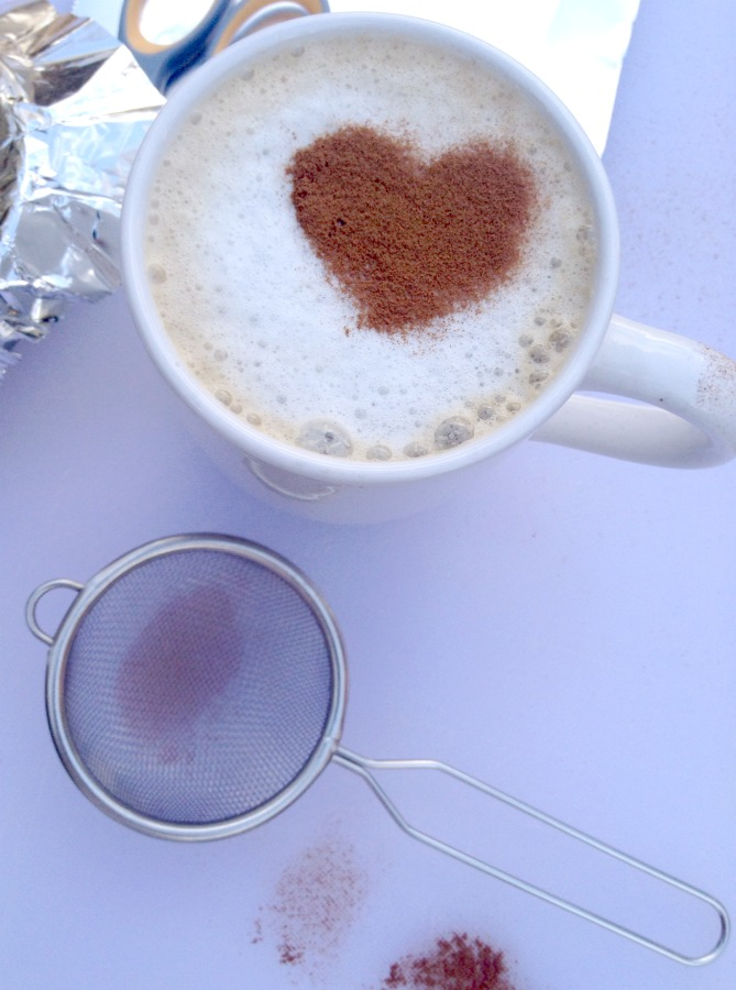 make a heart design for coffee