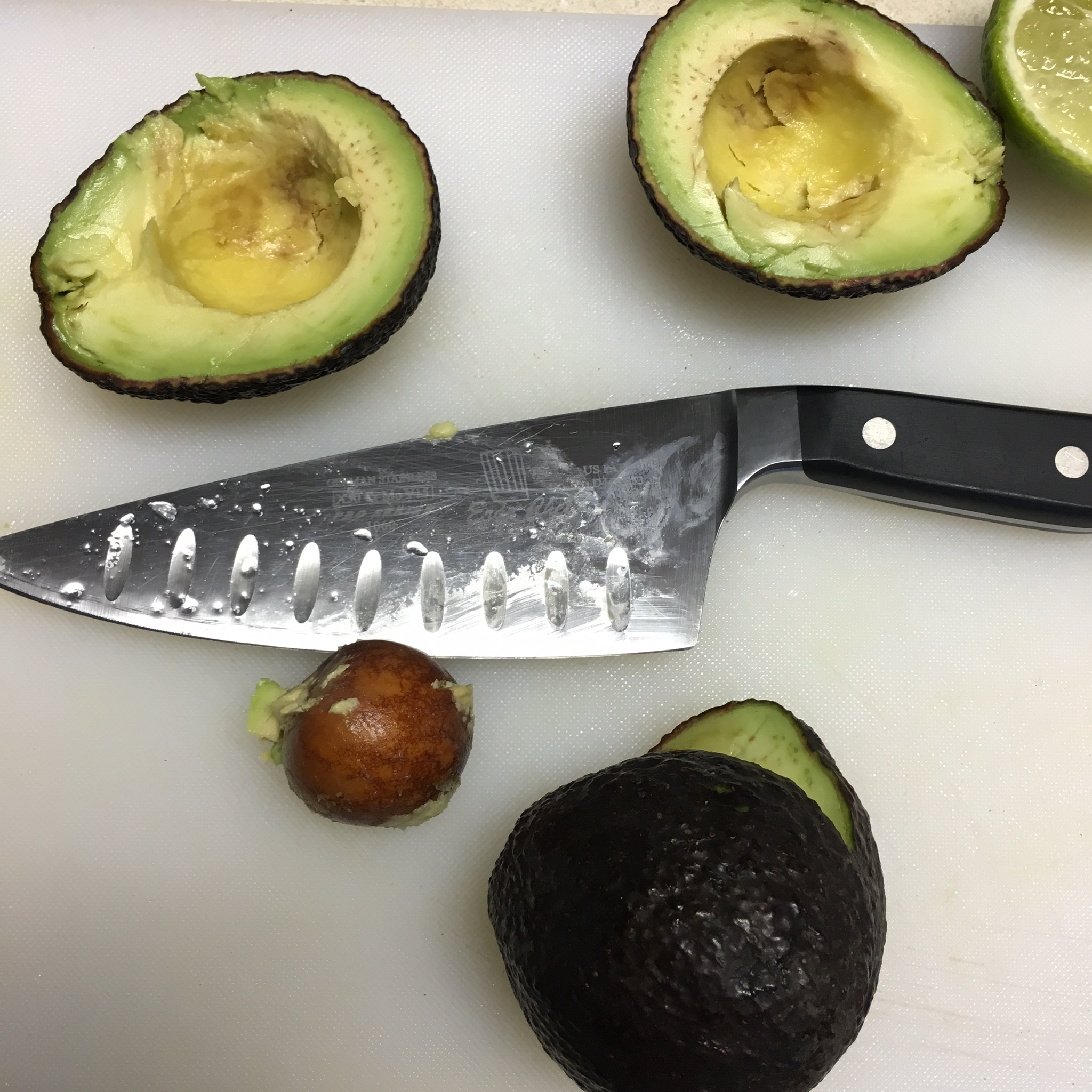 How to Make Fresh Guacamole and Ripen An Avocado