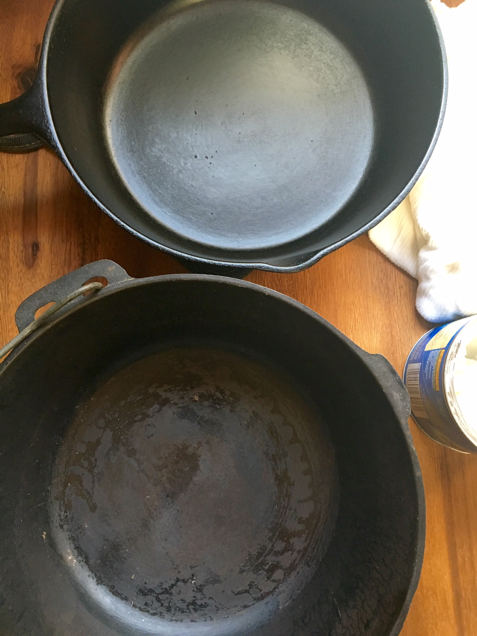 How to properly clean a cast iron skillet