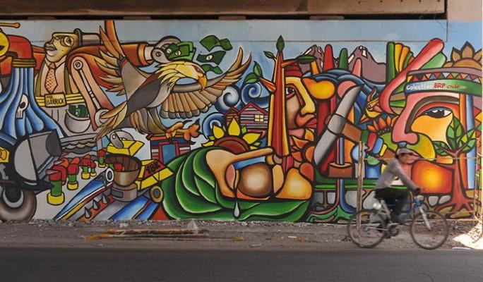 Graffiti by the Brigada Ramona Parra (Chile).