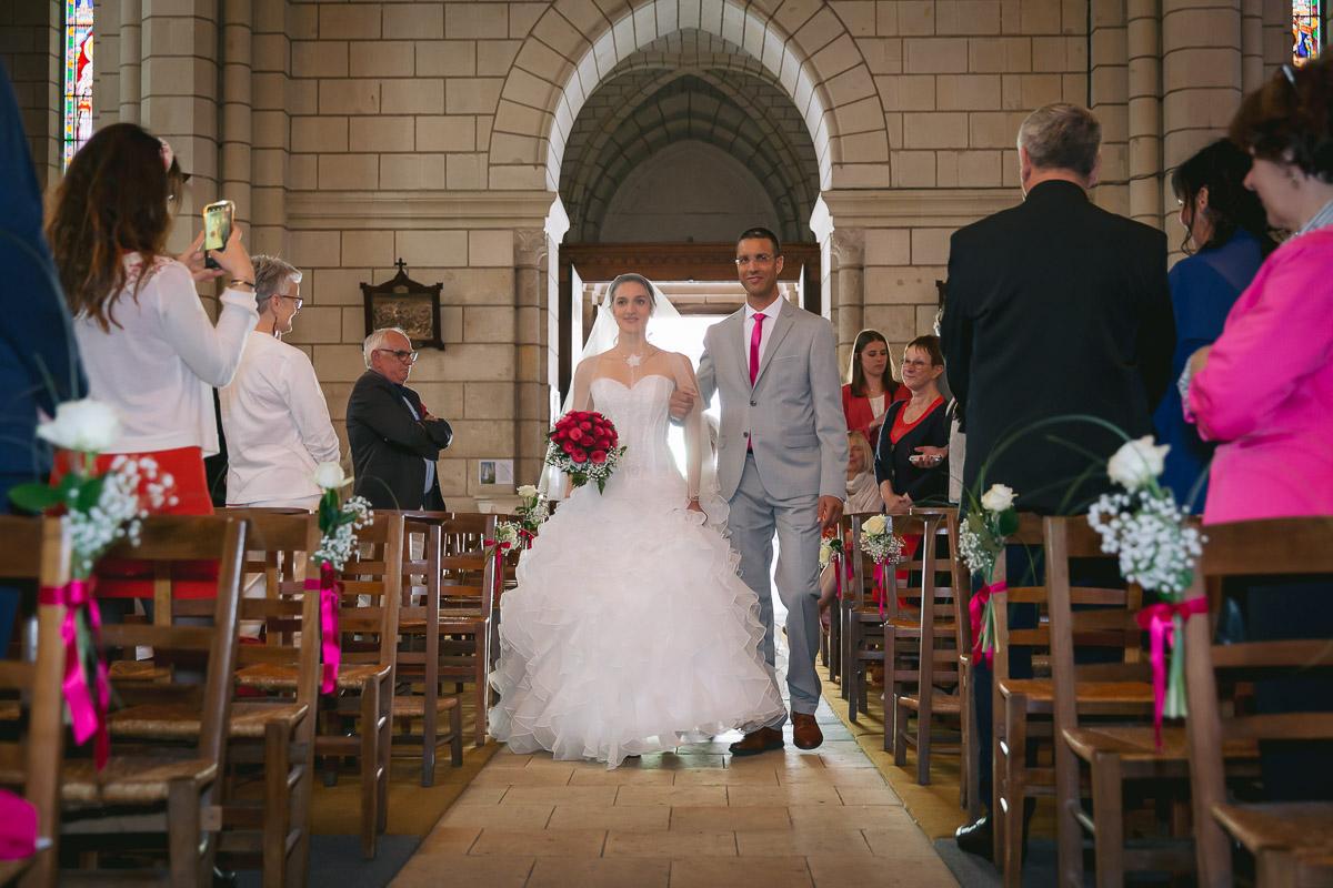 Mariage à l'Eglise de Luynes, 37230, Calvin Badger Photographe