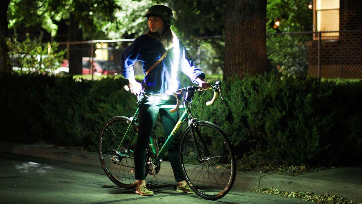 SAFETY LIGHT FOR NIGHT ACTIVITIES - Being a pedestrian in the city at night can be dangerous. Wrap the Luminoodle around yourself before you go out! Luminoodle works as a great night safety light illuminating you in all directions.