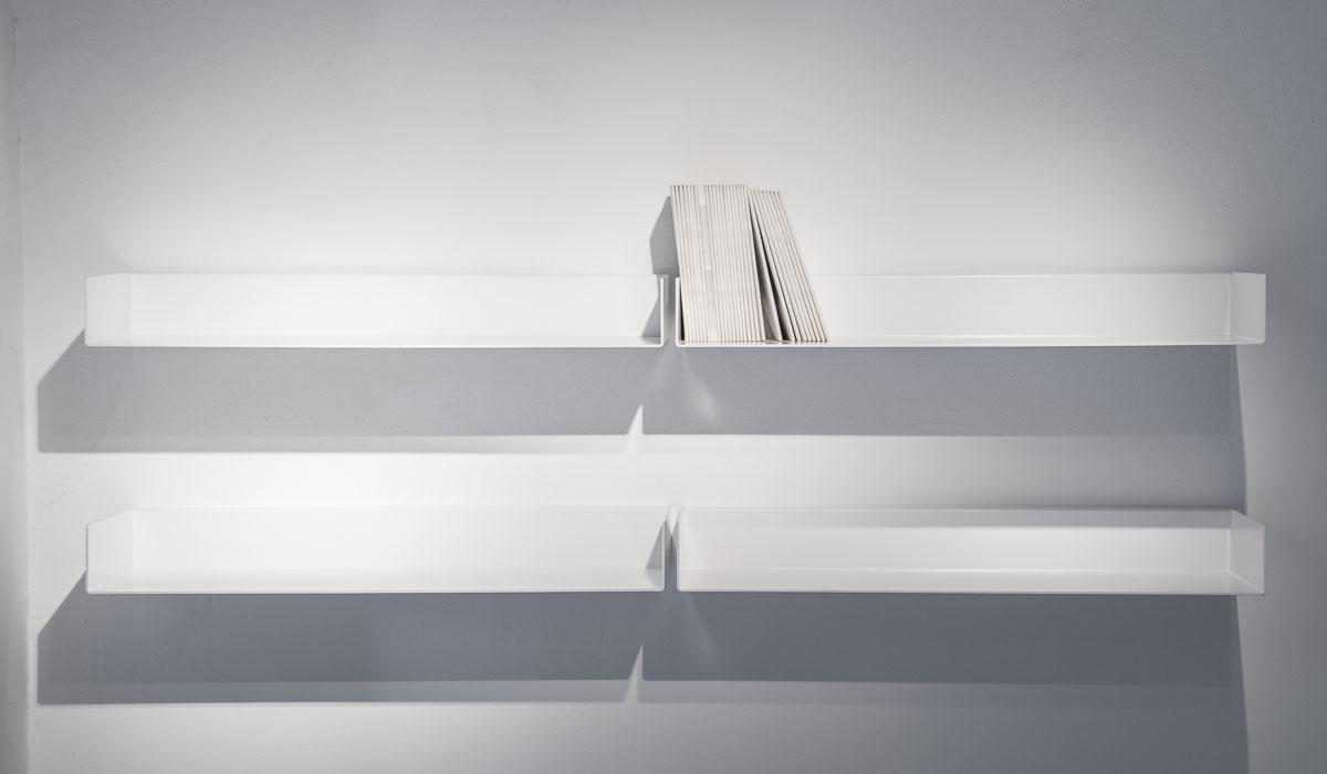 mensola di design moderno in metello