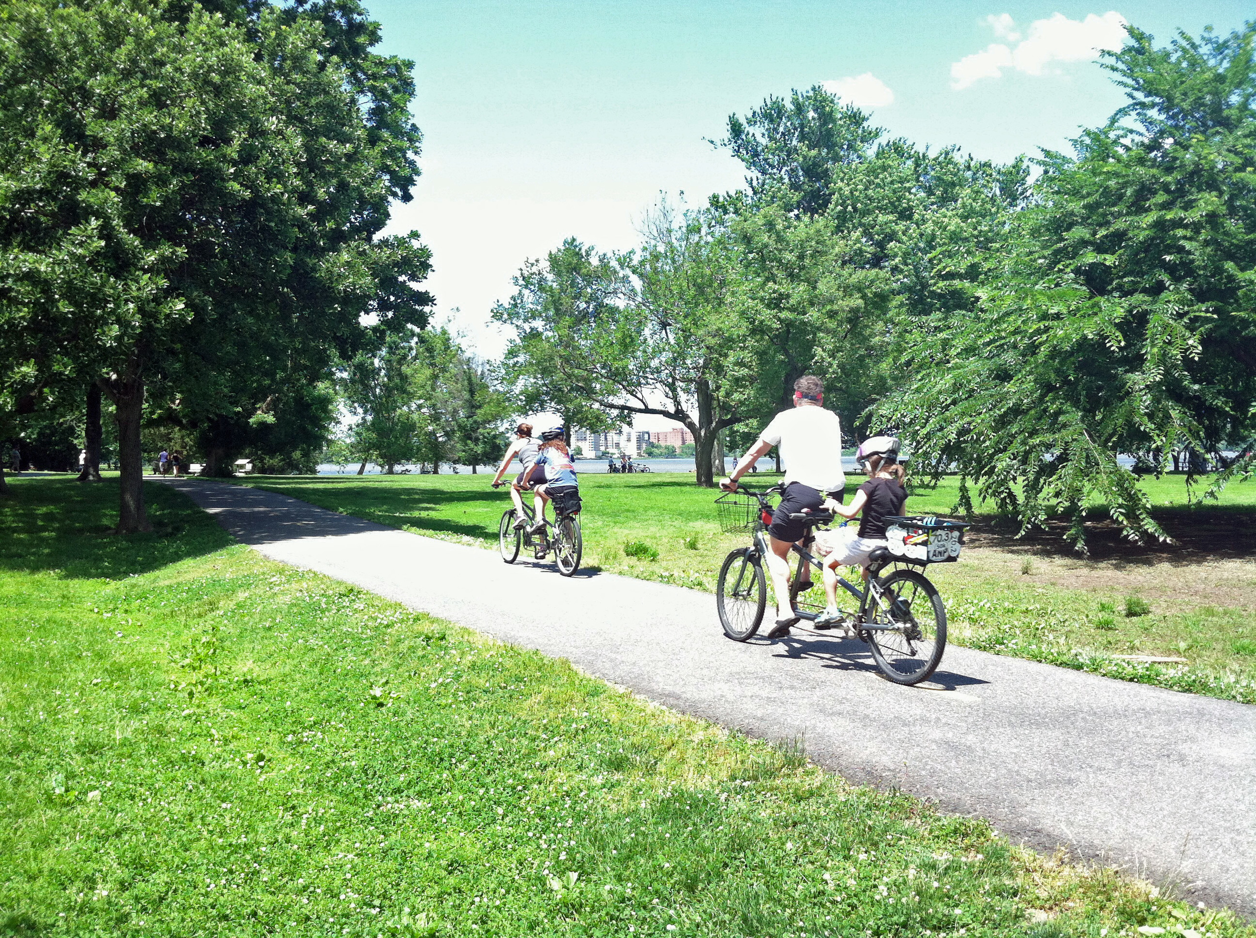 family mt vernon trail.jpg