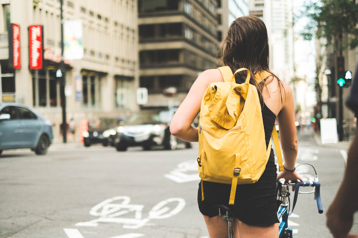 The girl with the yellow backpack revisited