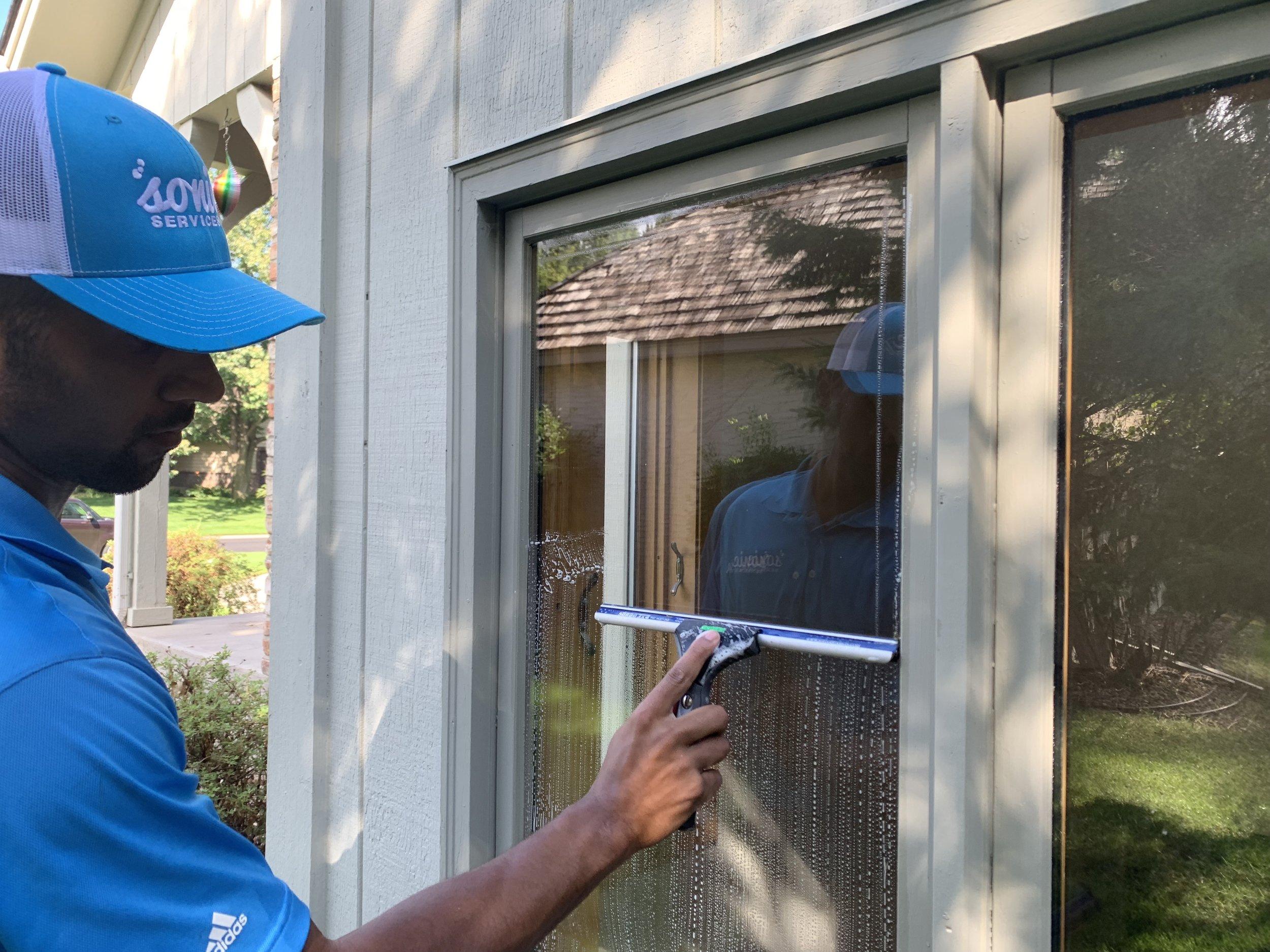 Minneapolis Window Cleaning (1).JPG