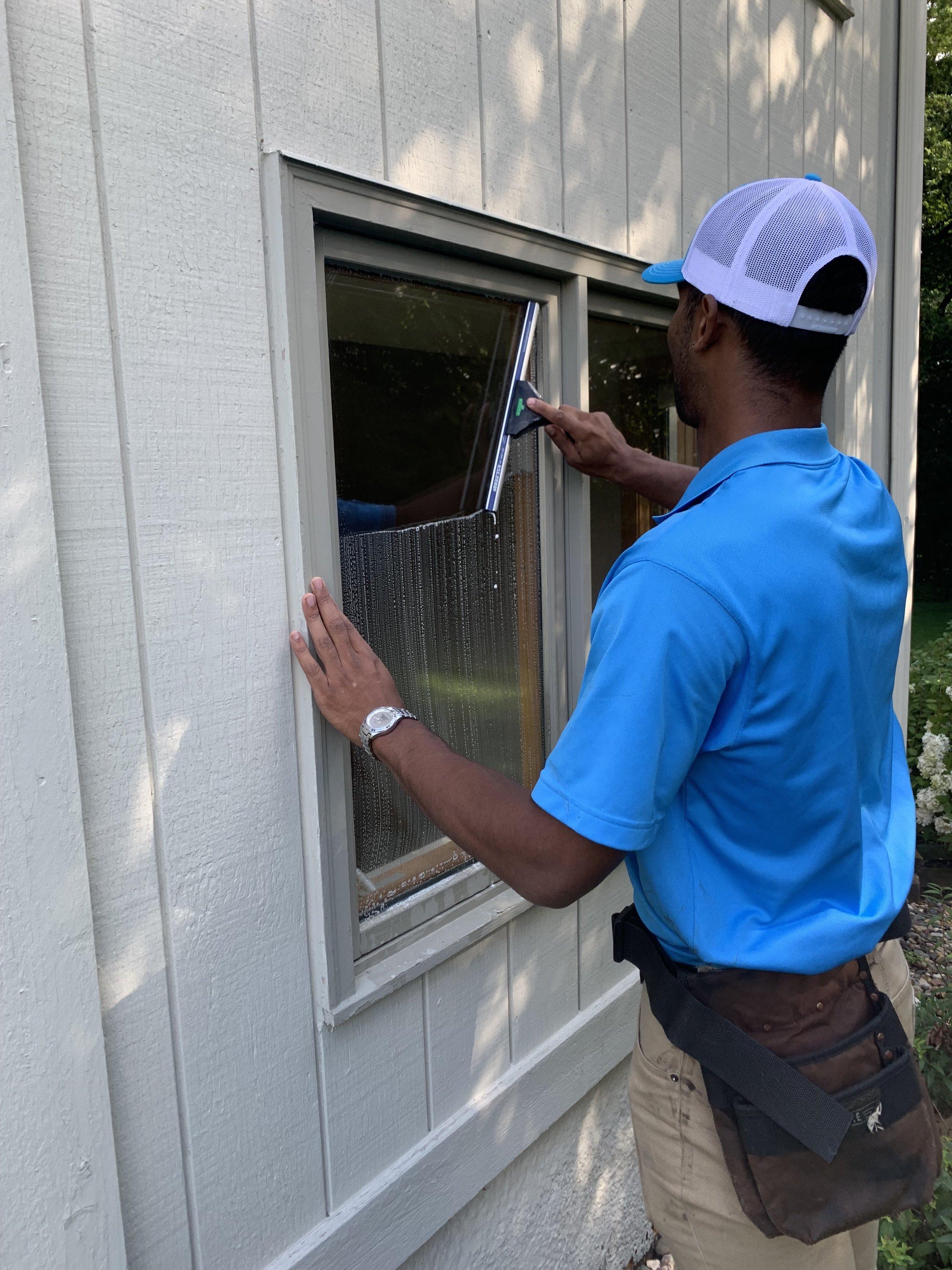 Minneapolis Window Cleaning (5).JPG