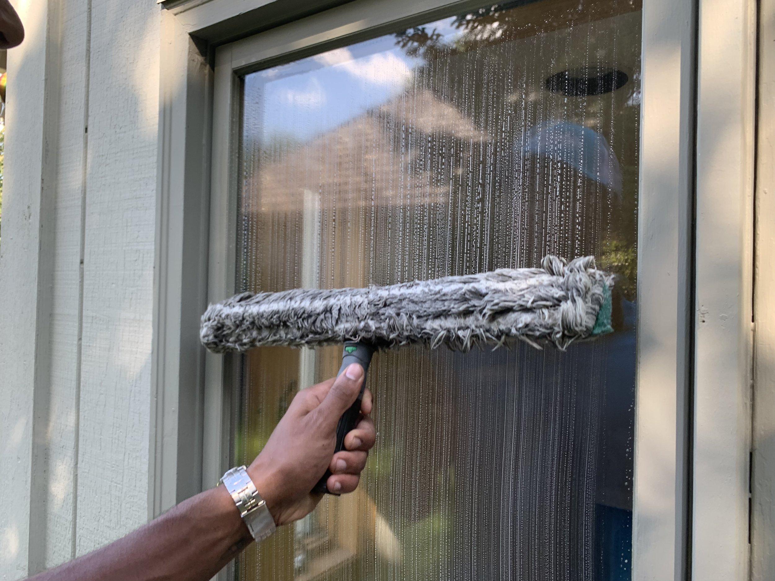 Minneapolis Window Cleaning (4).JPG