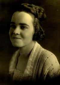Josie Belle Gore, 1917