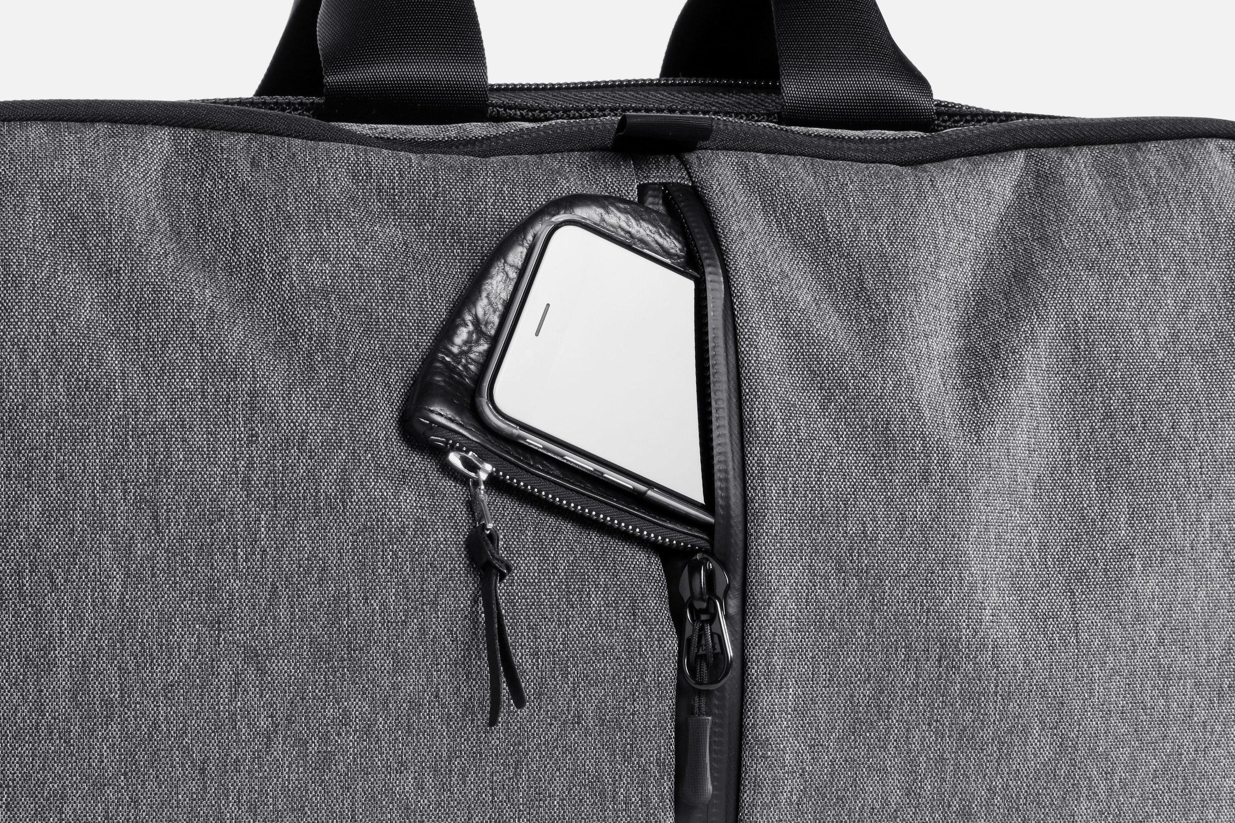 Aer Gym Duffel Phone Pocket