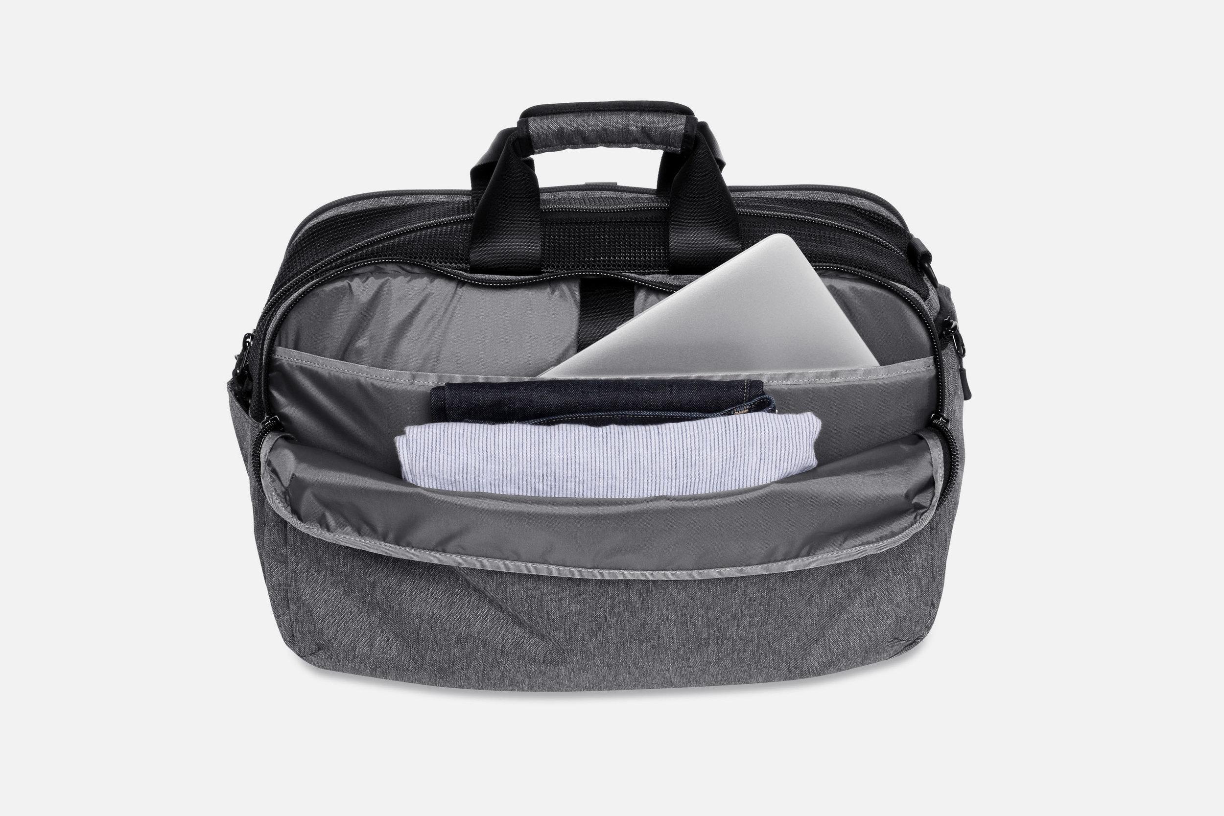 Aer Gym Duffel Laptop Pocket