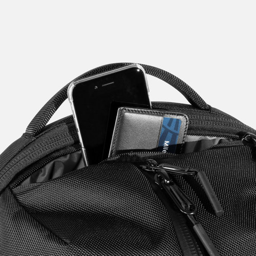 Quick access pocket for your everyday carry.