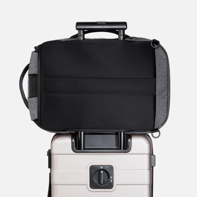 22002_fp_gray_luggage.JPG