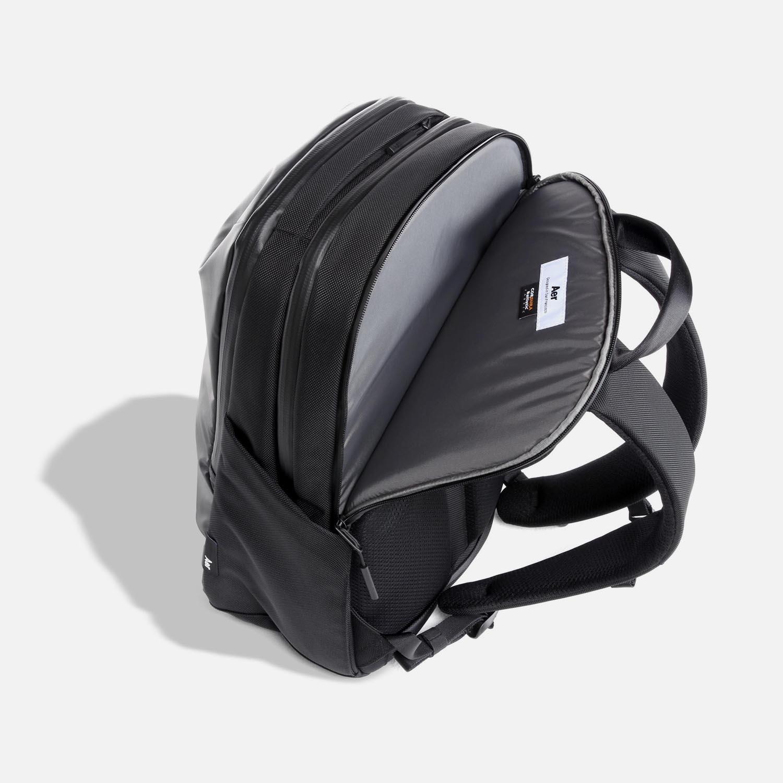 31002_techpack_black_laptop.JPG