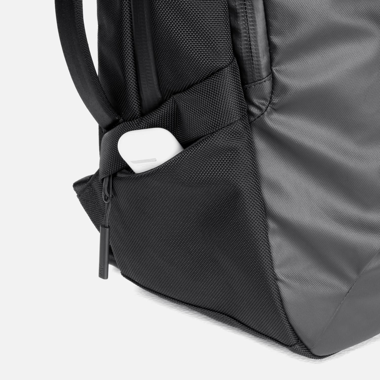 31002_techpack_black_sidepocket.JPG