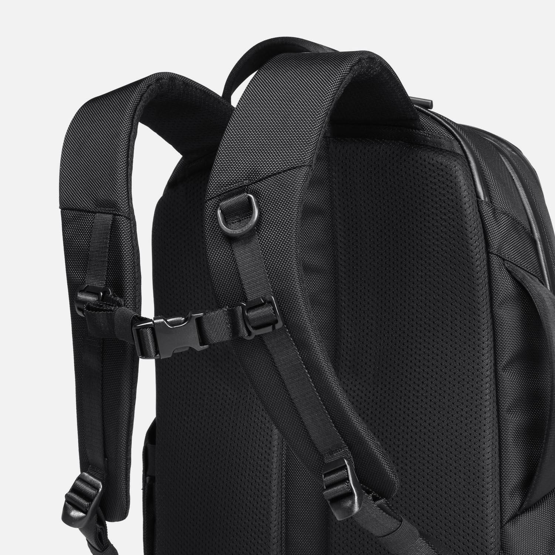 Ergonomic shoulder straps for comfort and fit.
