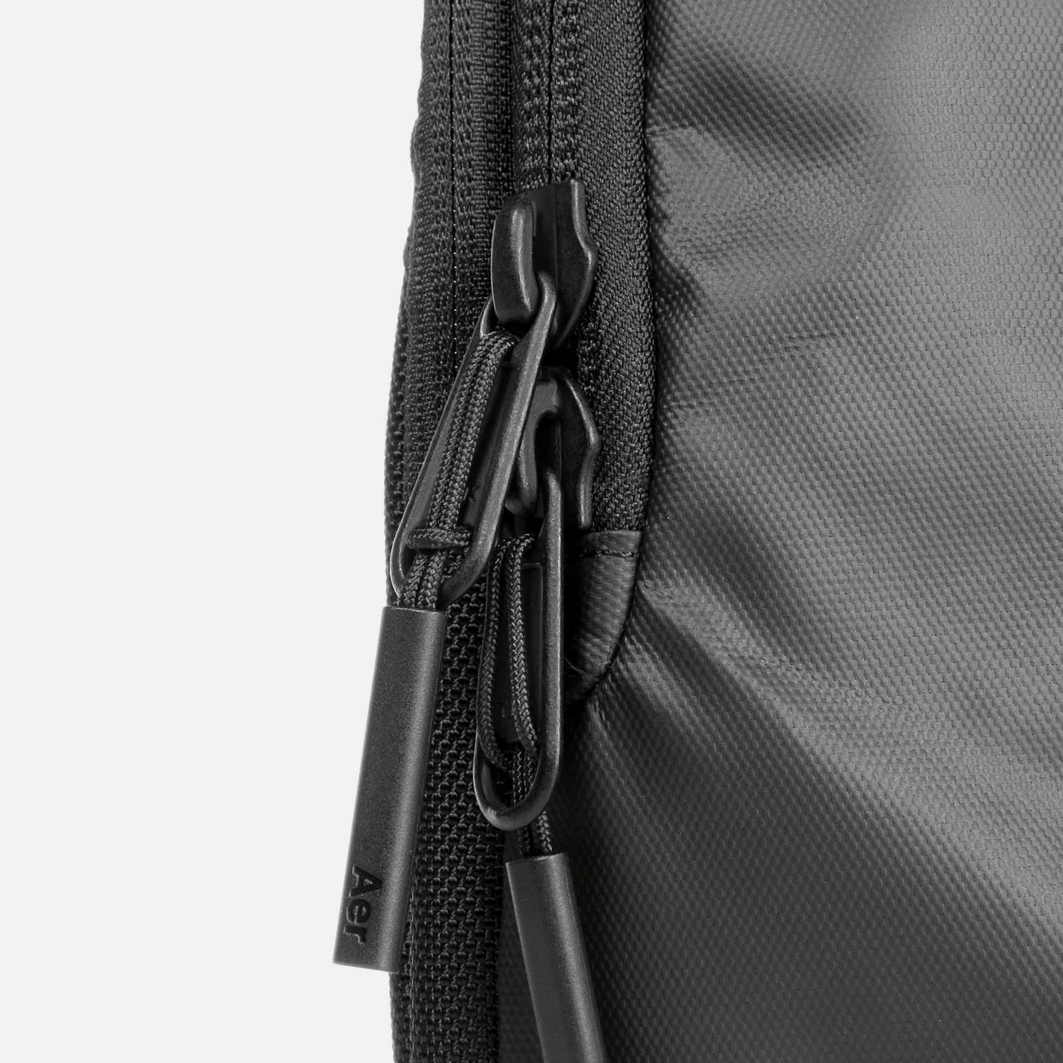 31005_techsling_black_zippers.JPG