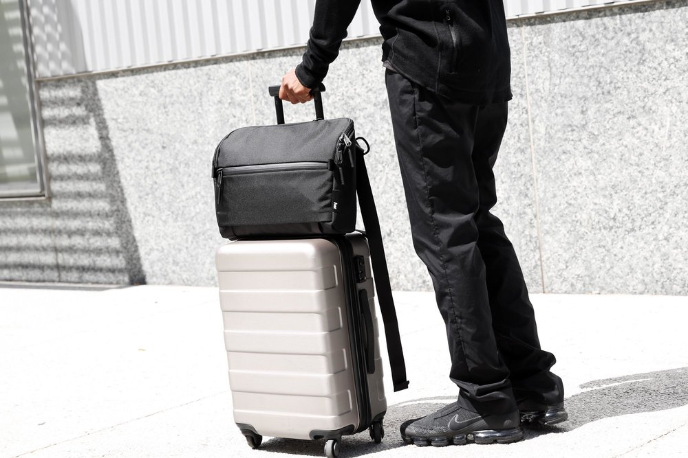 21005_ts_black_luggage.JPG