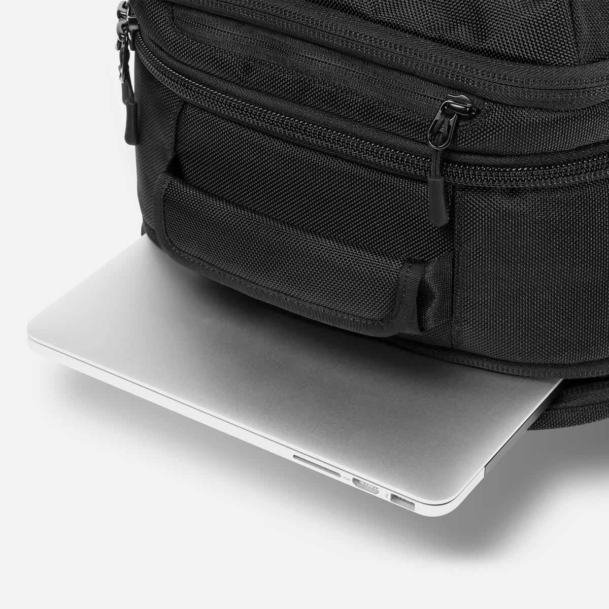 21003_tp_black_laptop.JPG