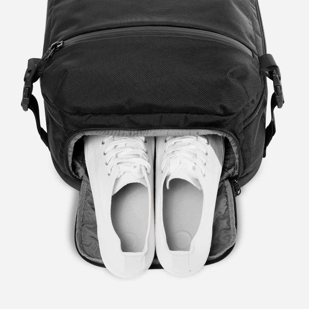 21003_tp_black_shoes.jpg