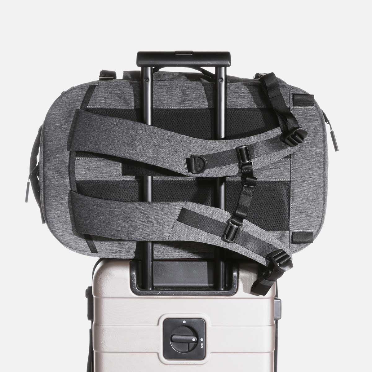 22007_tp2_gray_luggage.JPG