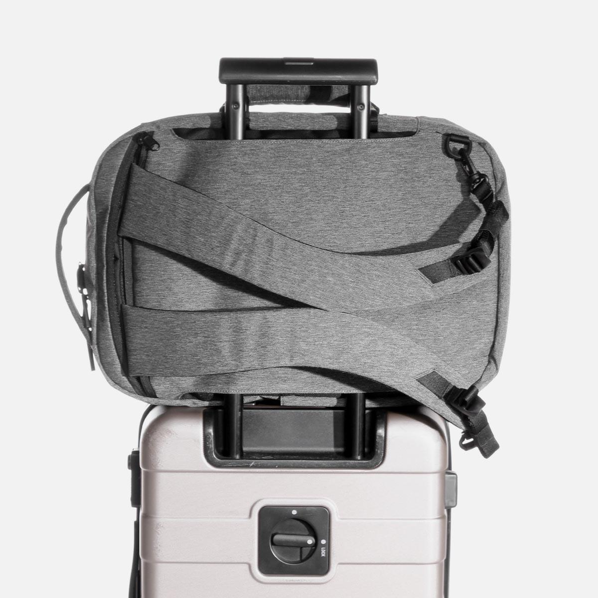 22010_fp2_gray_luggage.JPG