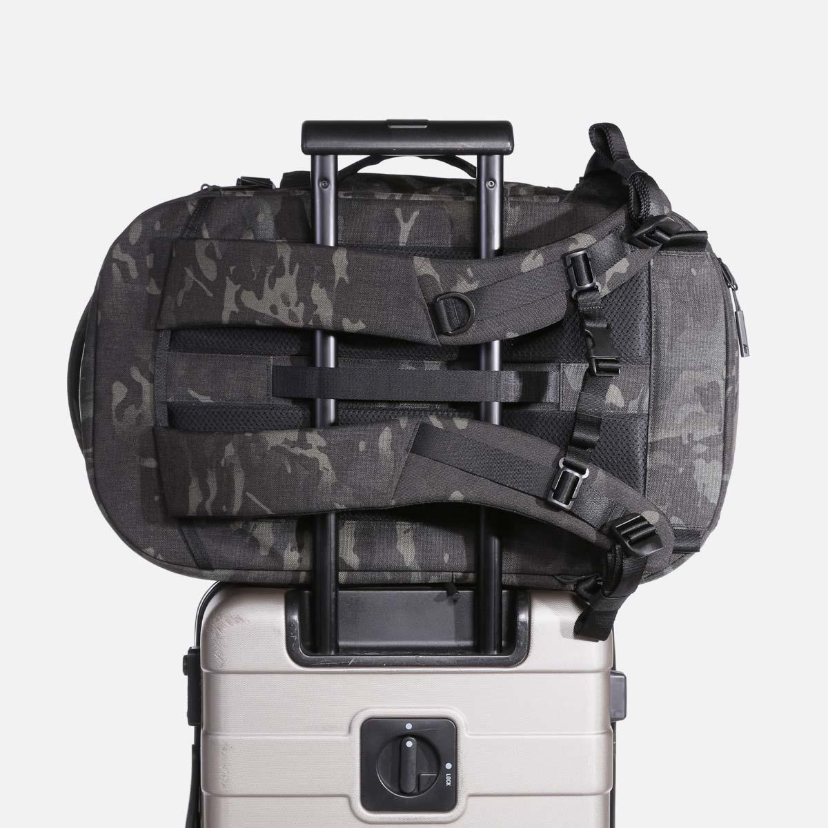 24007_tp2_blackcamo_luggage.jpg