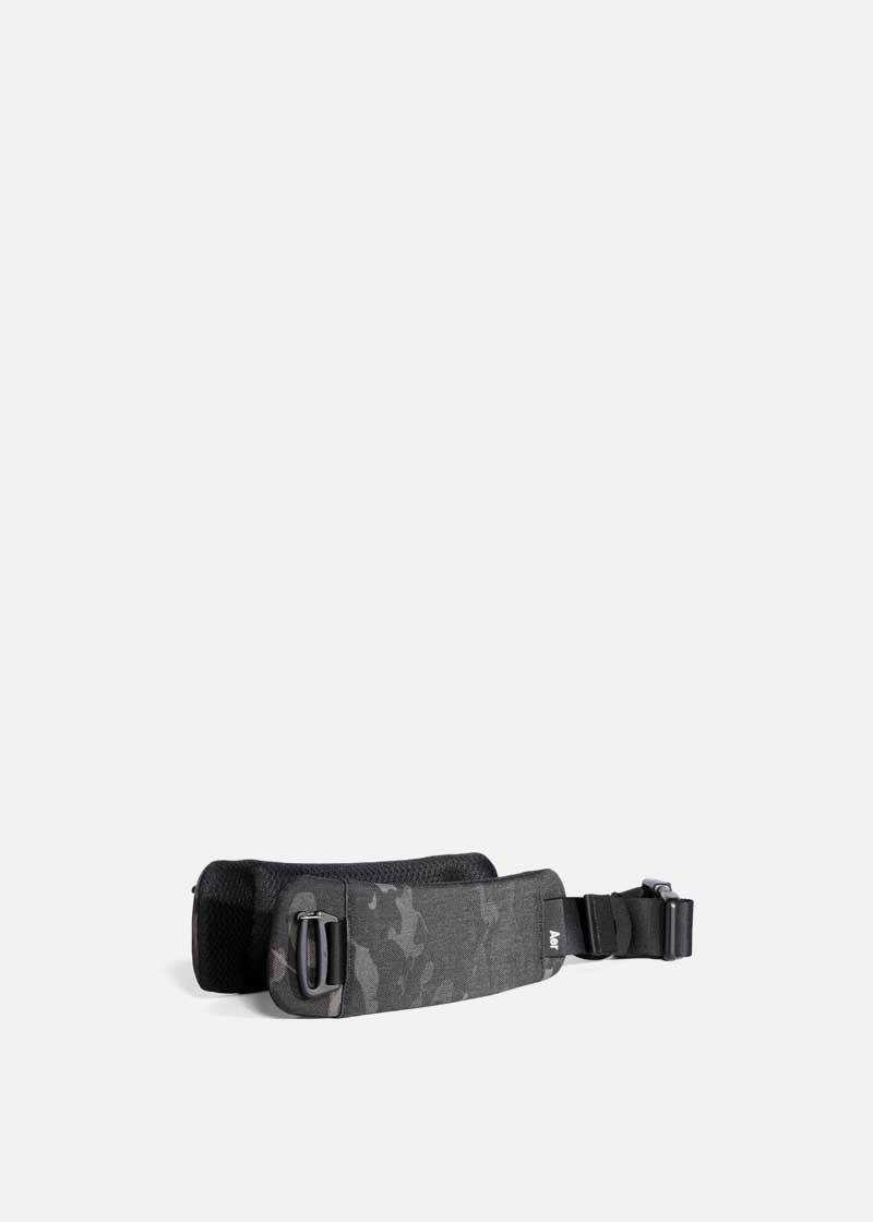 travel_aer_hipbelt_blackcamo.JPG