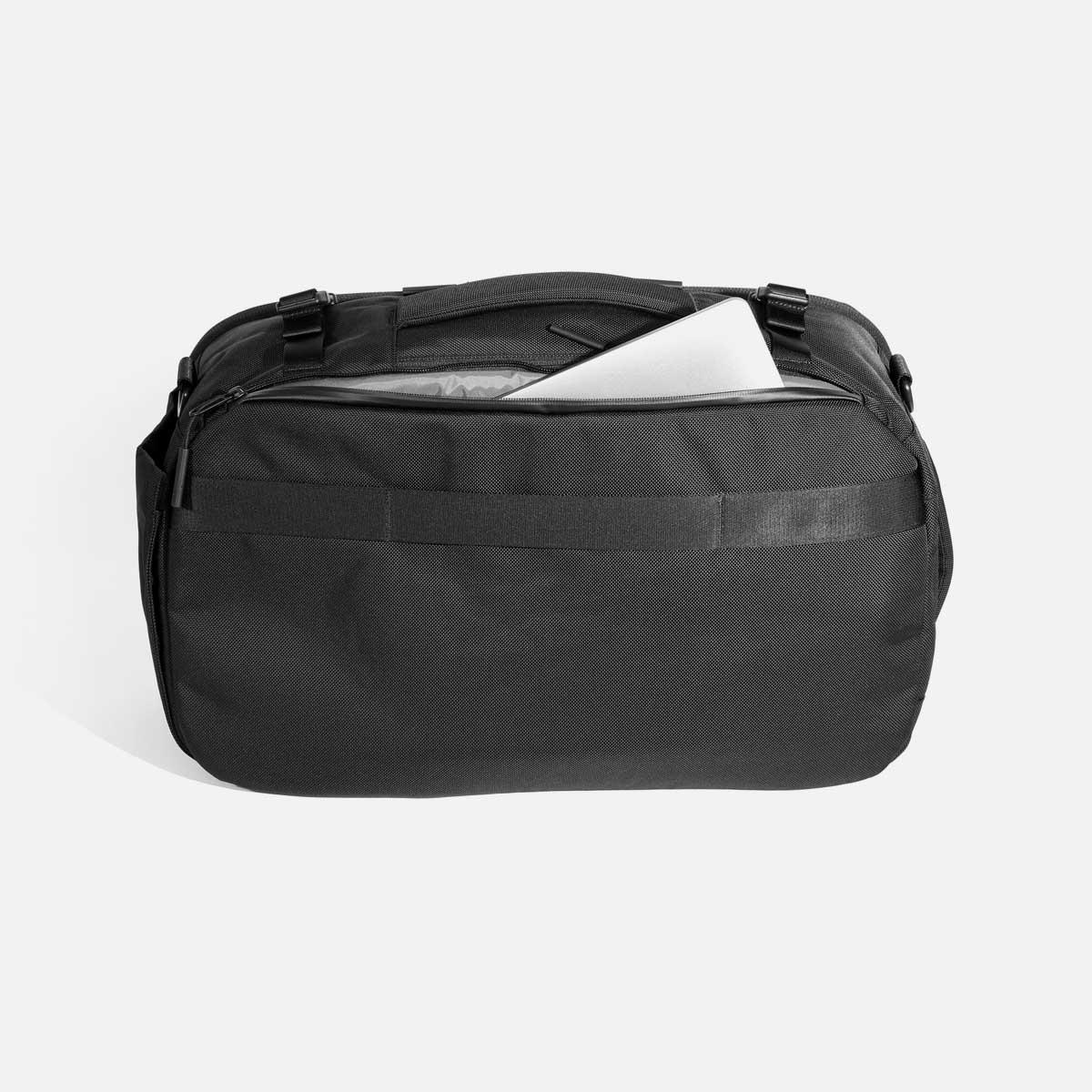 21014_travelduffel_black_laptop.jpg