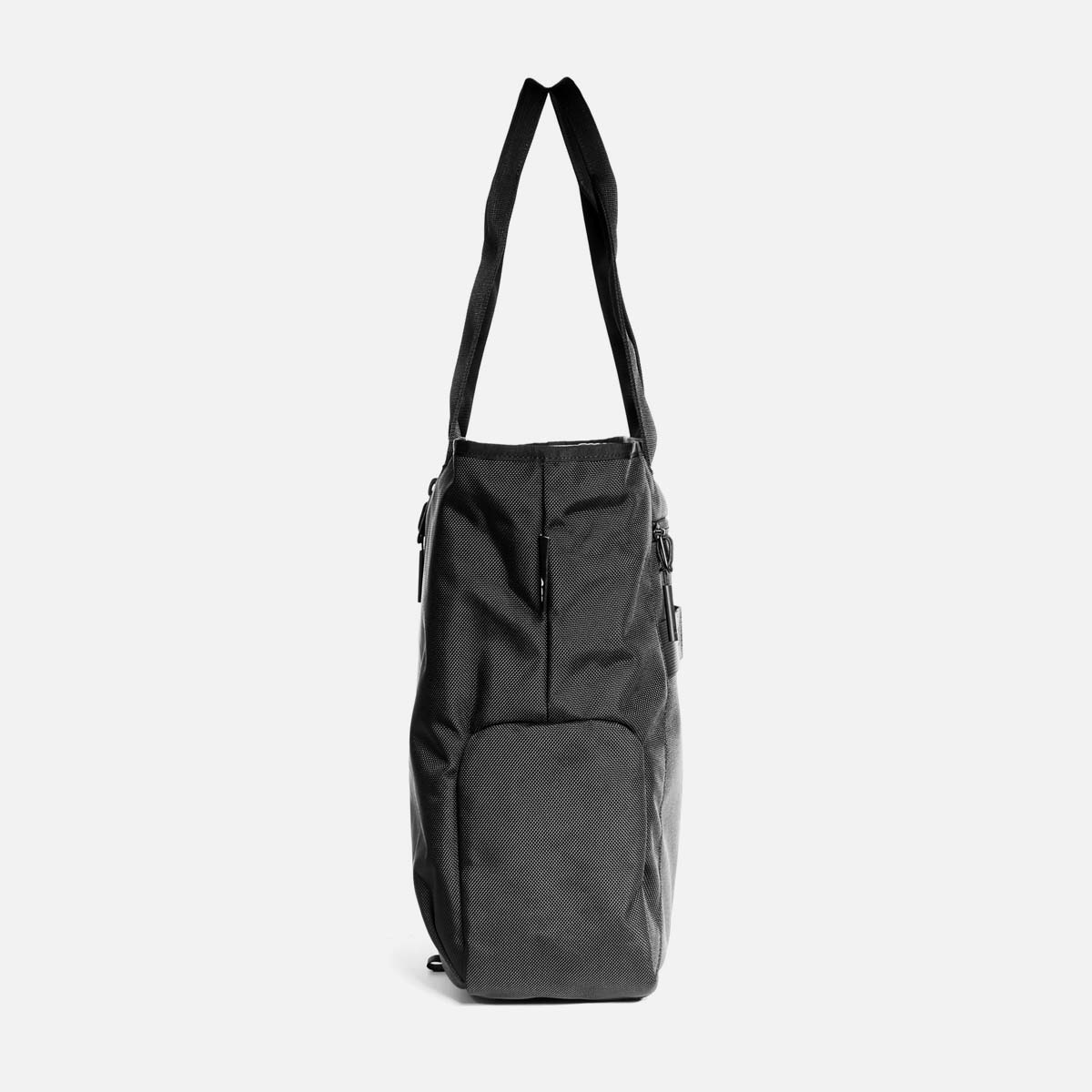 11008_gymtote_black_sideright.jpg