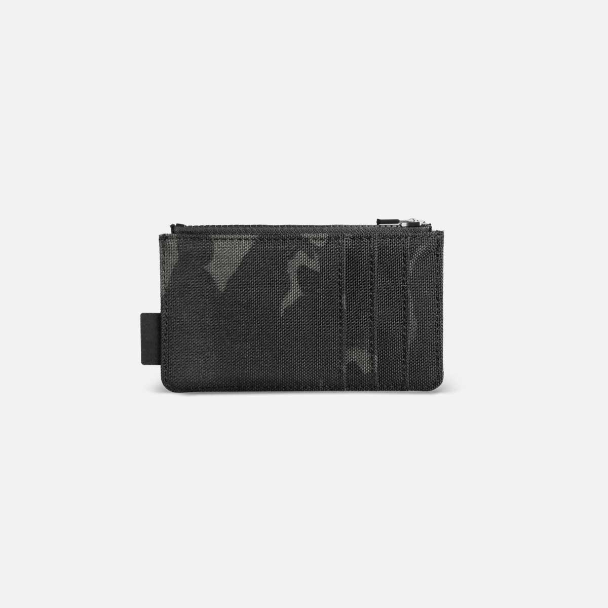 44004_cardholder_blackcamo_back.jpg
