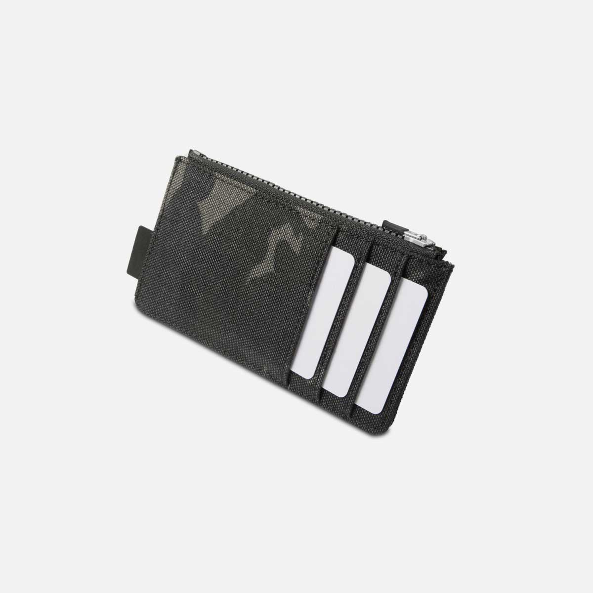 44004_cardholder_blackcamo_cards.jpg