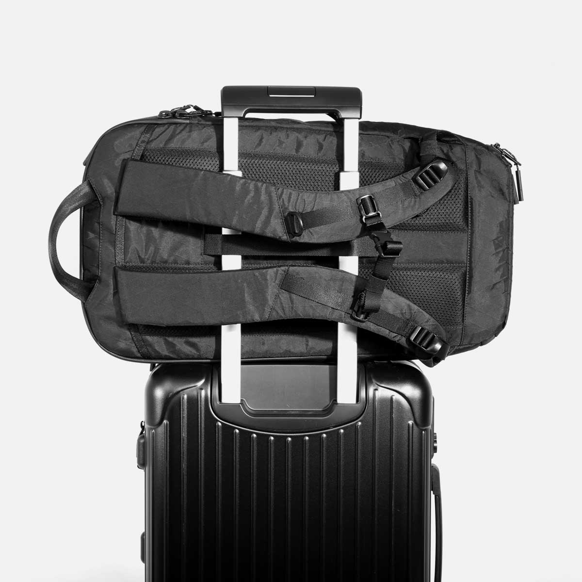 aer10011_dp2xpac_luggage.jpg