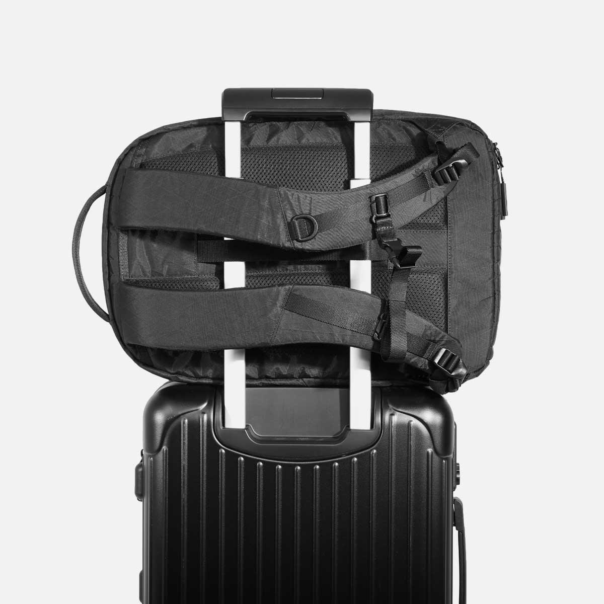 aer10012_fp2xpac_luggage.jpg