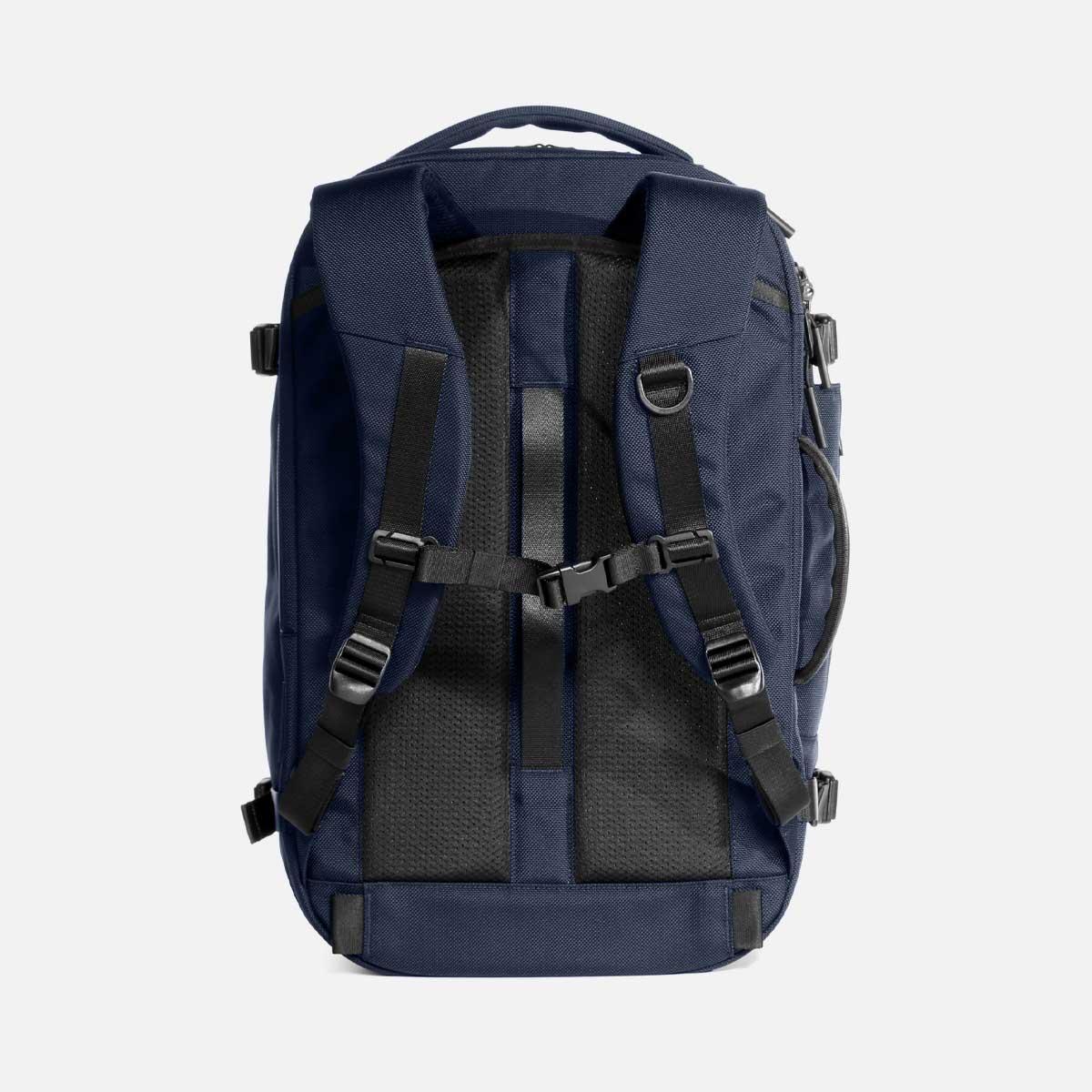 23007_travelpack2_navy_backpanel.jpg
