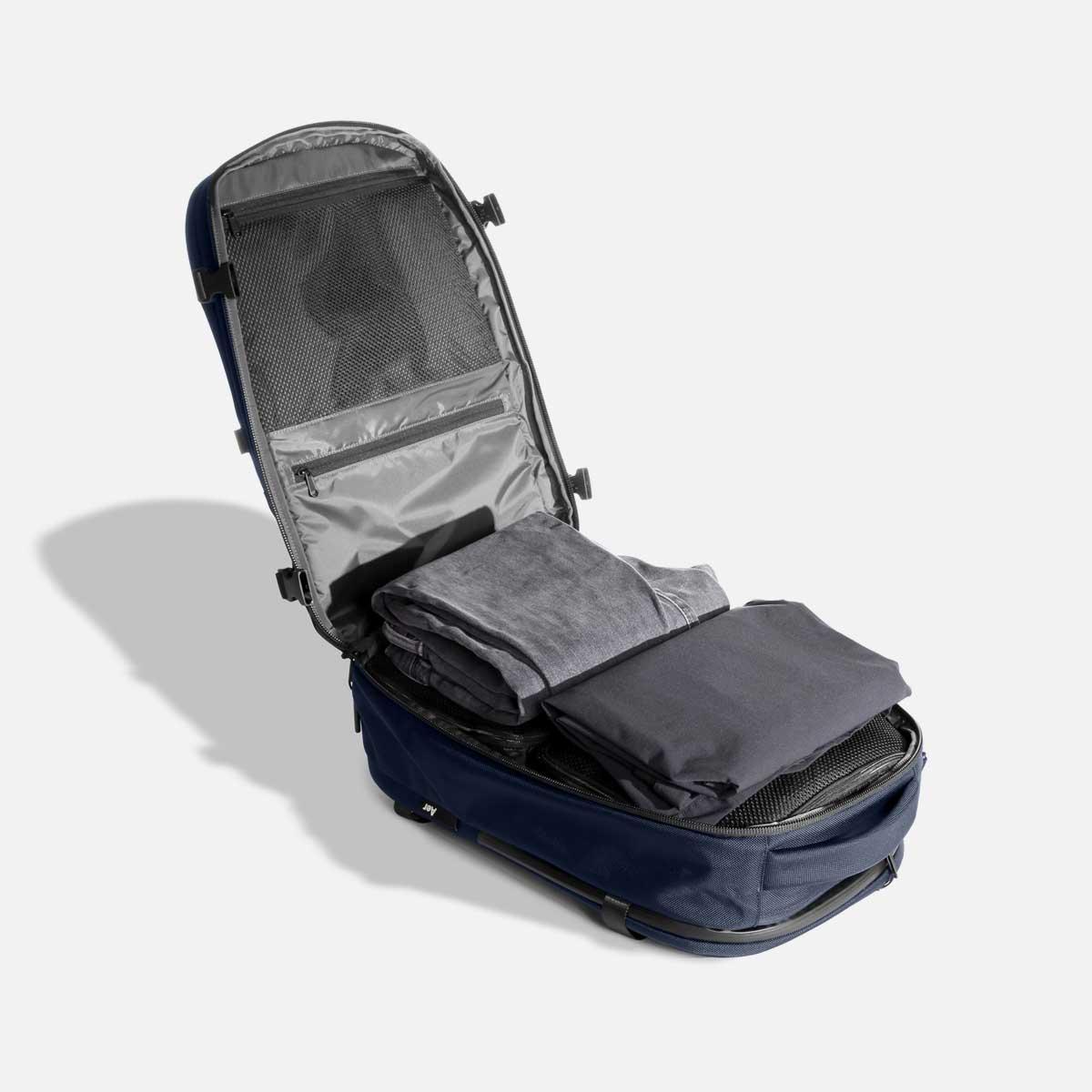 23007_travelpack2_navy_maincompartment.jpg