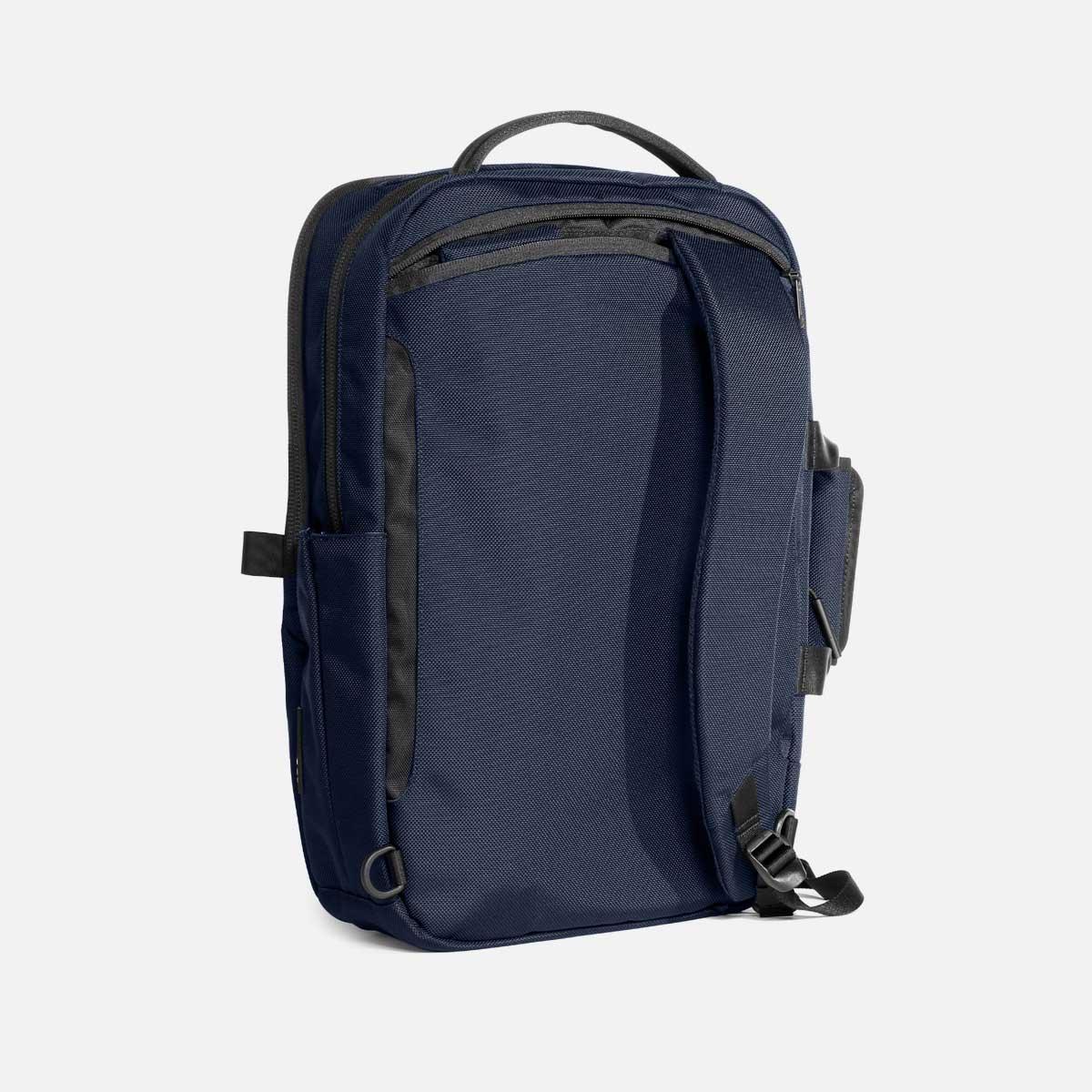 23010_flightpack2_navy_shoulderstrap.jpg