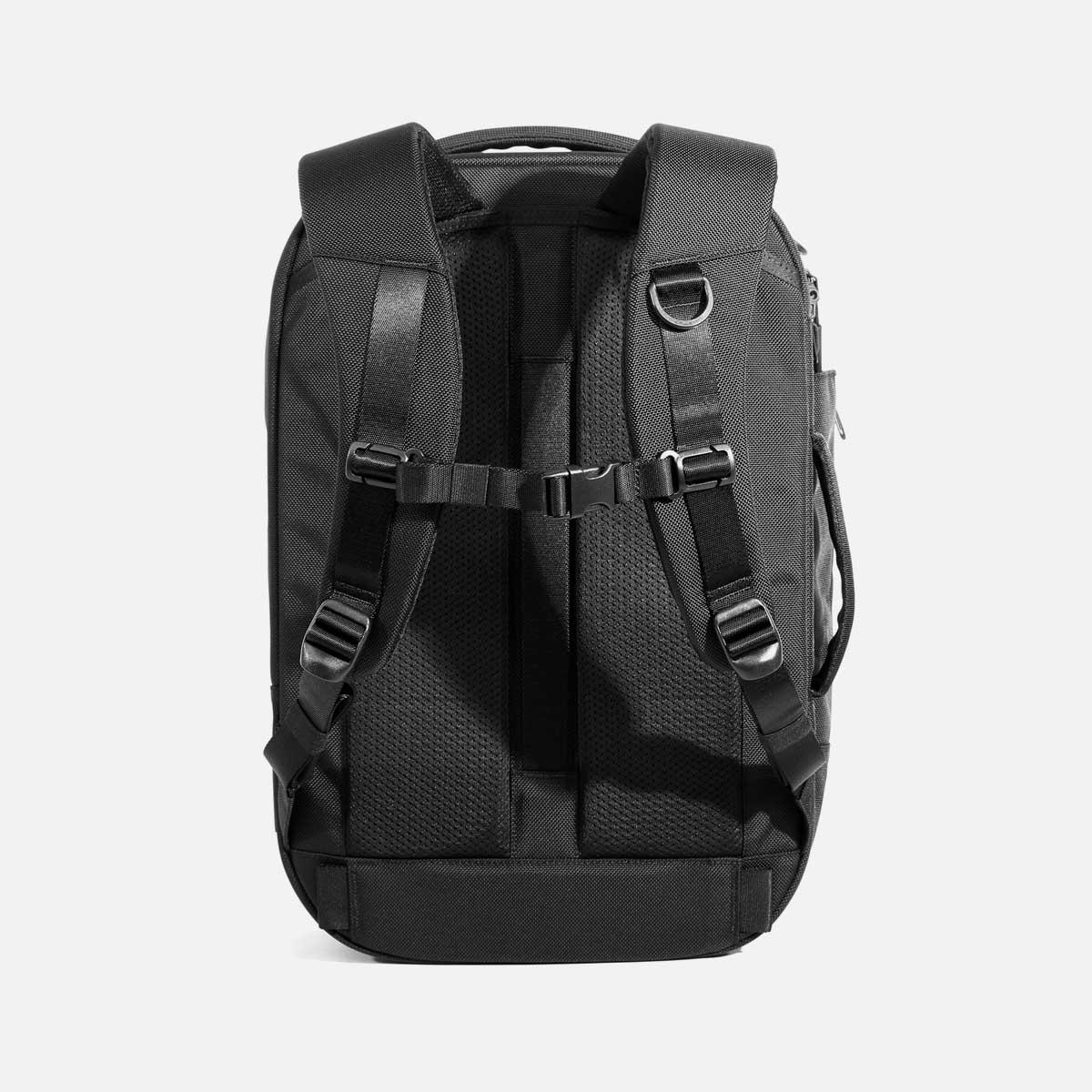AER21022_travelpack2small_back.jpg