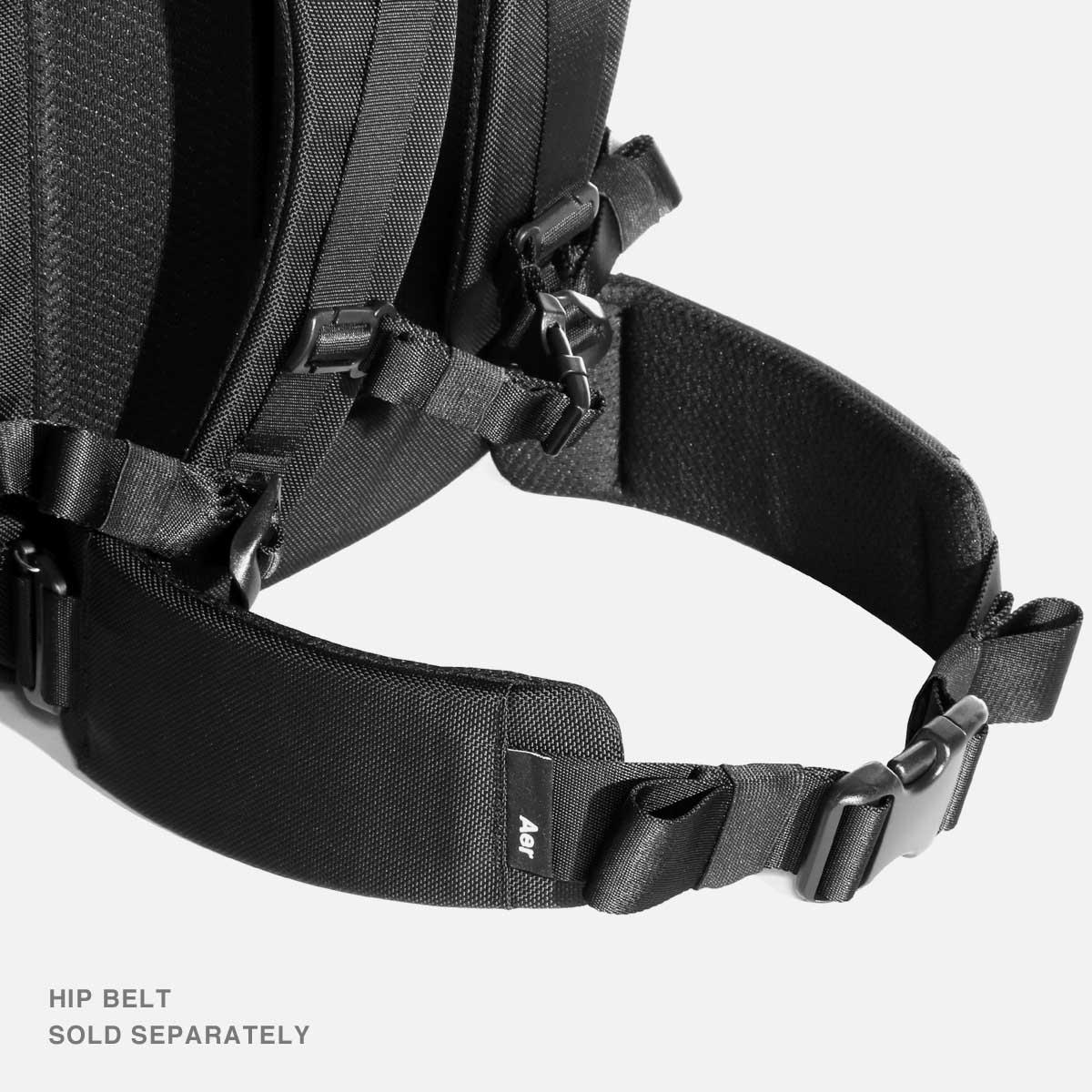 AER21022_travelpack2small_hipbelt.jpg