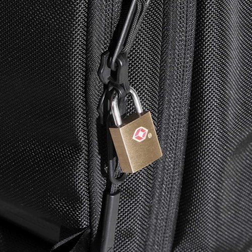 Lockable zippers for additional security (major compartments only).