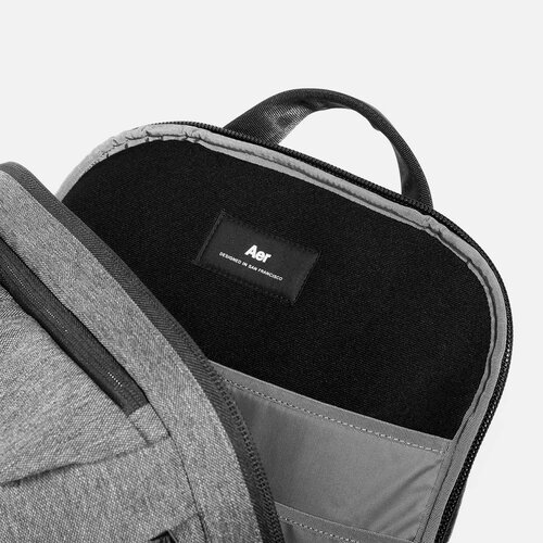 """Suspended laptop pocket with soft lining (fits up to 16"""" laptop)."""
