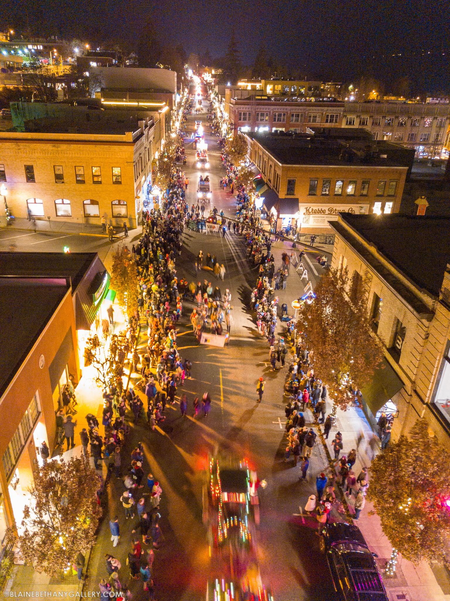The 2018 Hood River Holiday parade. Photo: (c) Blane Franger, BeautifulHoodRiver.com