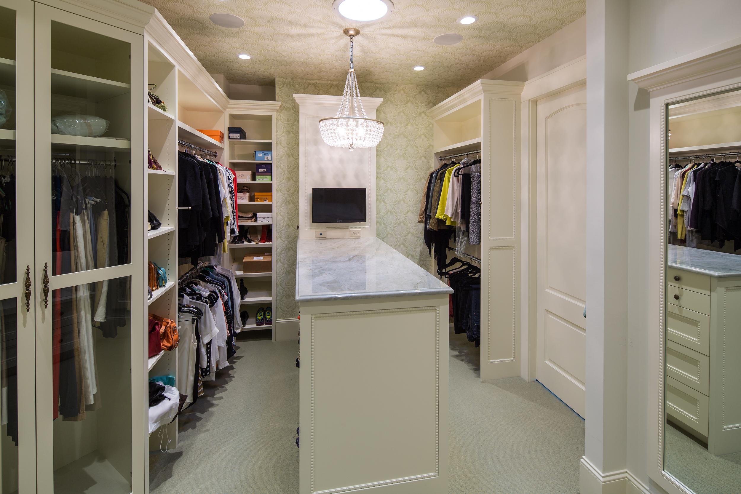 Mrs.closet.jpg